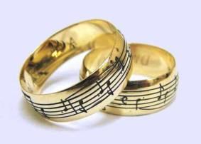 alianca-personalizada-com-notas-musicais